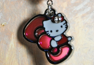 craft a hello kitty necklace