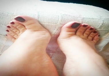 take a custom video of my feet for you